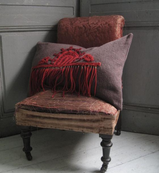 RED WOOL FRINGE